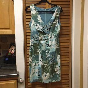 Connected Apparel Hawaiian Dress